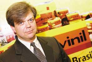 Química e Derivados: Tintas: Goerck - empresa também mudou política comercial.