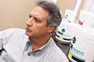 Química e Derivados: Adesivos: Maia - grandes clientes compraram a idéia.