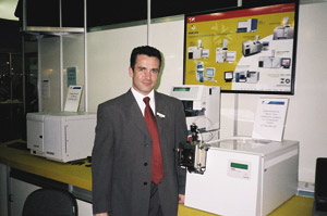Química e Derivados: Cromatografia: C. Marques deu aula sobre detectores a laser. ©QD