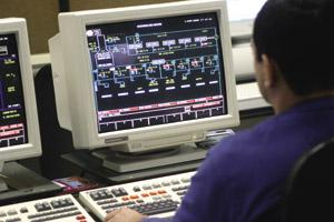 Química e Derivados: Automação: Centro de Controle Operacional da PqU coloca cada etapa do processo na telas. ©QD