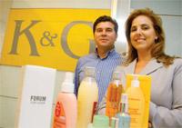 Química e Derivados, Adriana Gragnani dos Santos, José Roberto dos Santos, Diretores da K&G, Cosméticos - Terceirização reduz custos e libera mais recursos para inovar