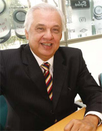 Química e Derivados, Antônio Carlos Teixeira Álvares, Presidente da Brasilata, Tintas - Setor de embalagens prepara as máquinas para aproveitar o boom imobiliário e automotivo