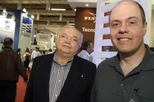 Revista Química e Derivados, Cícero Fernandes Neto, coordenador da ETE do Baldo, vinculada à Caern (esq.) e Paulo Lisboa, gerente de marketing da ITT Water & Wastewater Latin America