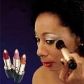 Cosméticos - Ativos funcionais ajudam maquiagens a proporcionar mais beleza e saúde