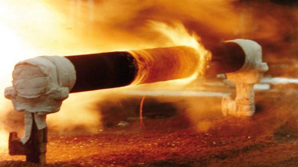 Química e Derivados, Tintas e Revestimentos, Ensaio de resistência de tinta contra jatos de fogo, AkzoNobel International
