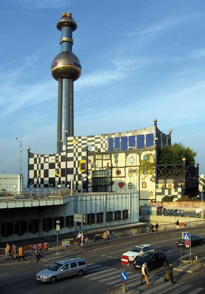 Química e Derivados, Waste-to-energy, em Viena, Áustria, incinera 250 mil t/a de lixo para gerar 60 MW à rede e vapor para um hospital