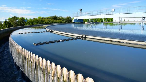 Química e Derivados, Tecnologia Ambiental: Concessionárias privadas ajudam na universalização